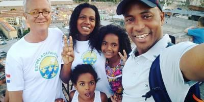 Blog convidado do Gringo-Rio: um tour na favela da Mangueira
