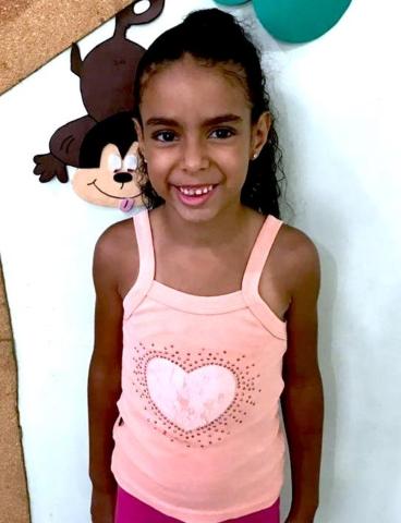 Camily estrela favela
